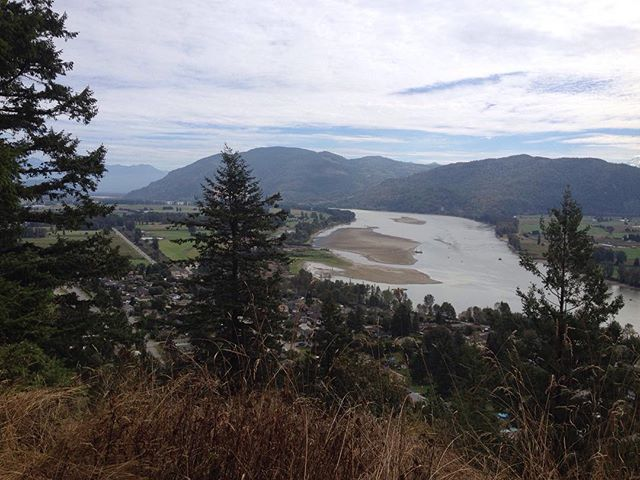 Viewpoint in Mission, BC covering Fraser River and Lougheed Highway